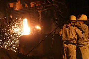 تهدید تعزیراتی دولت علیه فولادسازان/ حمایت یا خلع سلاح سربازان جنگ اقتصادی؟
